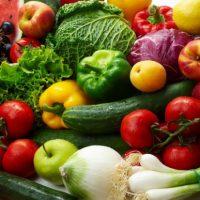 Chế độ ăn hợp lý giúp phòng, điều trị huyết áp. Ảnh: H.N.